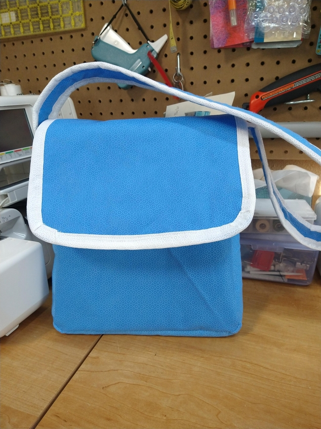 Lunch bag or shoulder tote out of Steri-Wrap