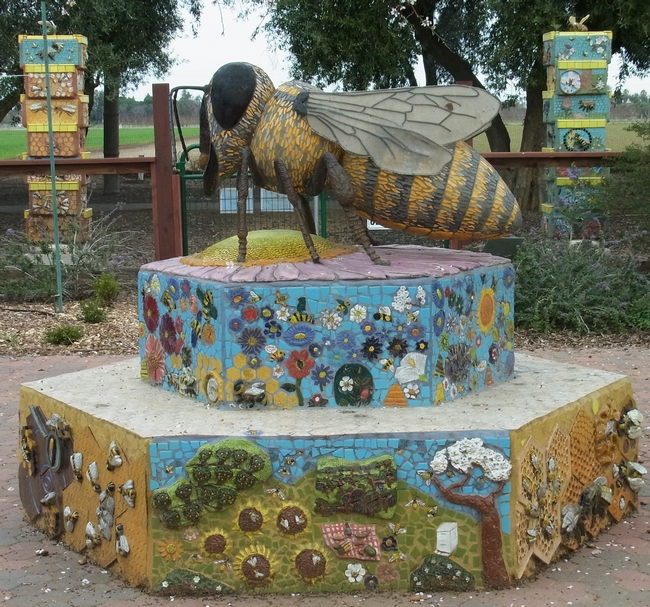 Bee statue at the entrance to the garden