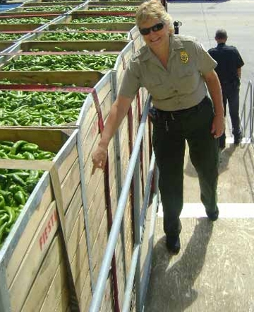 Cheryle O'Donnell gets ready to inspect a pepper truck in Arizona.