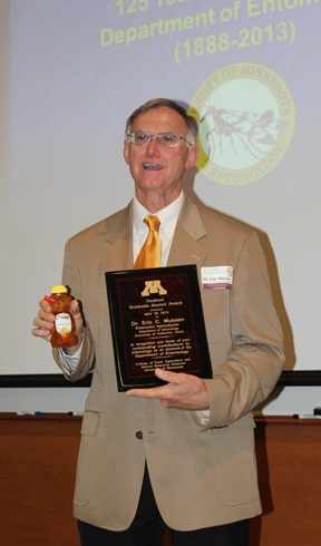 Eric Mussen shows the jar of honey he received. (Courtesy Photo