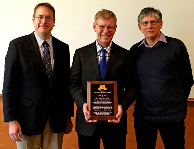 Professor Karl Kjer (center), recipient of the 2016 Hodson Alumni Award, with Stephen Kells (left), chair of the University of Minnesota Department of Entomology, and Professor Ralph Holzenthal,  director of the University of Minnesota Insect Museum.