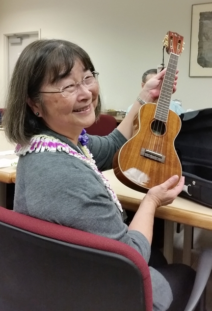 Toxicologist Shirley Gee received a professional ukulele at the Pacificchem meeting in December. The Pacificchem meetings take place every five years.