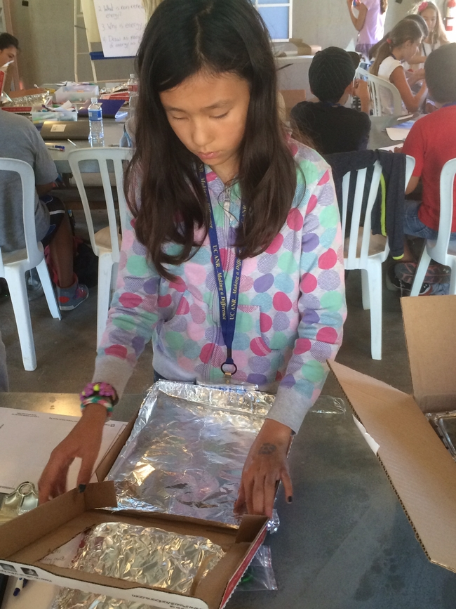 Creating solar ovens to take home