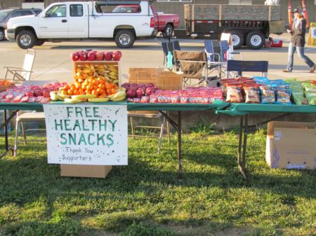 Butte CMG5K offered healthy snacks to their runners!