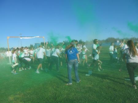 Participants color each other green at Butte CMG5K