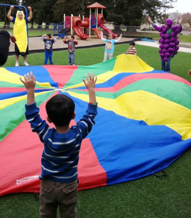 Children and parachute - Nutrition, Physical Activity Fair