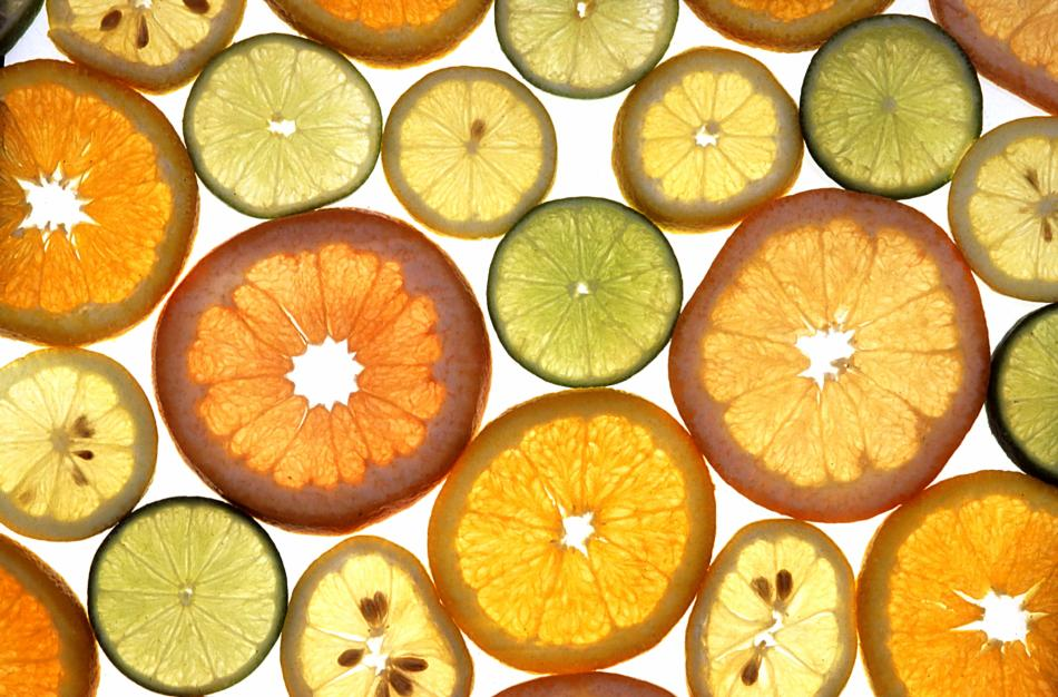 sliced citrus fruit
