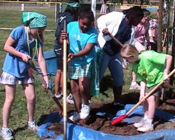 Military Kids Support Earth Day