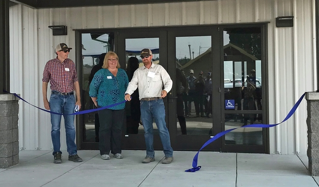 From left, Mark Lagrimini, vice provost of research and extension, and AVP Wendy Powers joined IREC director Rob Wilson for the ribbon cutting of IREC's new multipurpose conference and lab building.