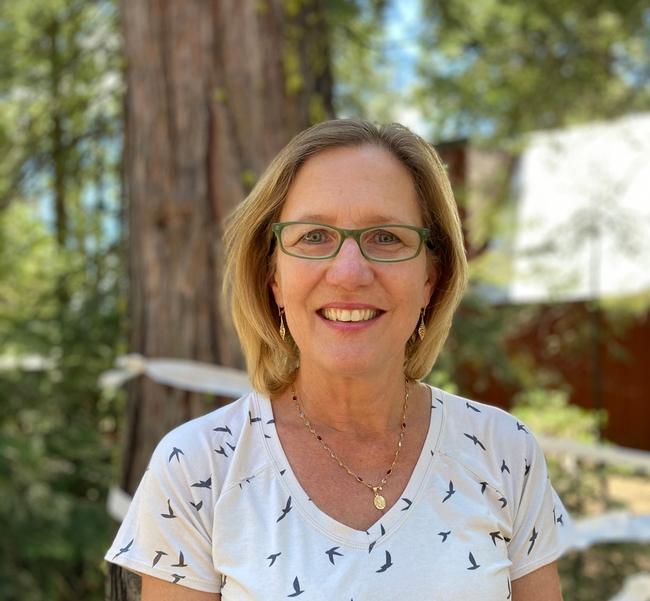 Jeannette Warnert