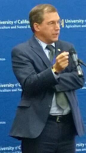 Davis Mayor Joe Krovoza welcomes UC ANR to the community.