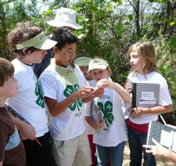 A group of Mexicali children will learn about gardening and leadership in a club like 4-H that will be launched Jan. 20.