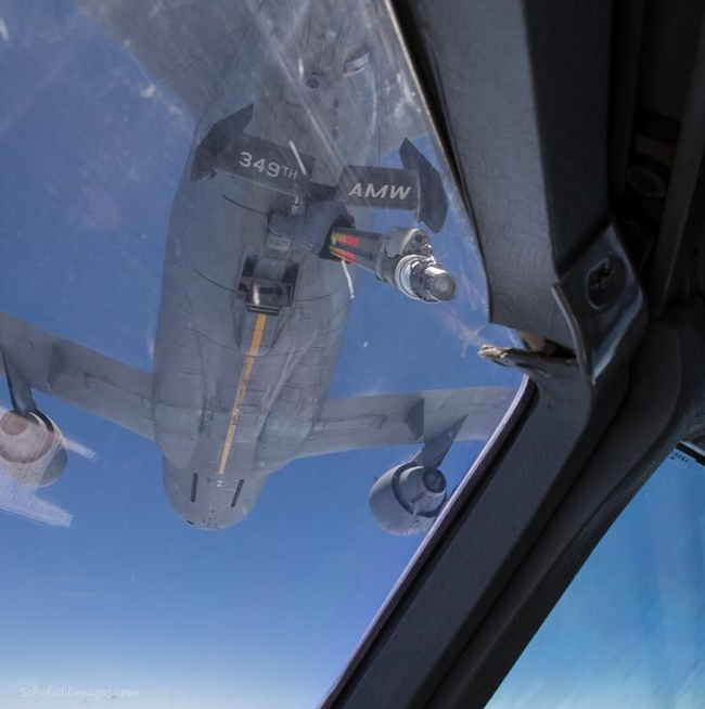 Aircraft refuelling in air