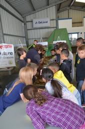 KARE's Laura Van Der Staay working with Tulare County fourth graders who were part of the 2017 AgVentures Day at the International Ag Center in Tulare, CA, May 12, 2017.