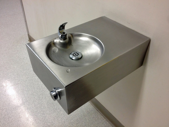 California law requires schools to test water for lead. (Photo: pxhere.com)