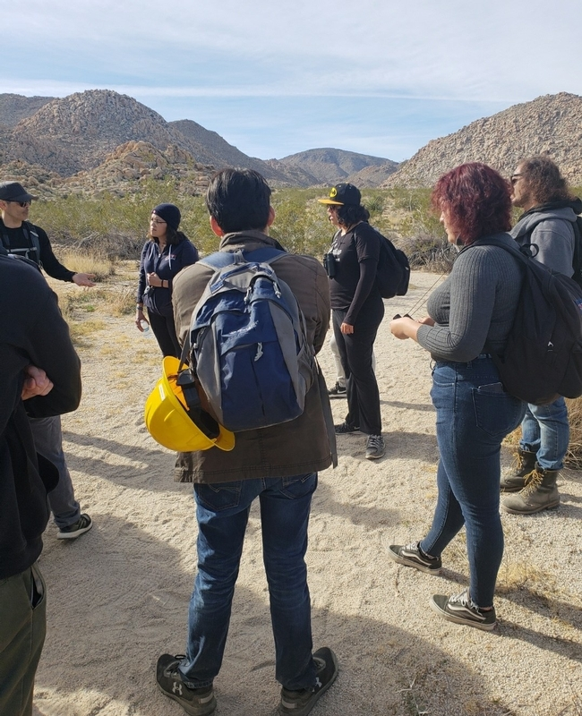 Aspiring Los Naturalistas participate in a field training.