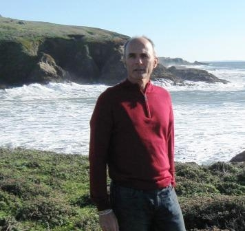 John Largier along the northern California coast. (Photo: Jennifer Sauter/UC Davis)