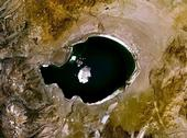 By studying the changing water level of Mono Lake, paleoclimatologists have learned California suffered a long dry spell from 1,800 to 600 years ago. (Photo: Wikimedia Commons)