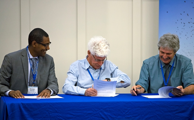 From left, Ermias Kebreab, Eli Feinerman and Mark Bell sign agreement for Israel and California scientists to collaborate more on water-related research and education. for Green Blog Blog