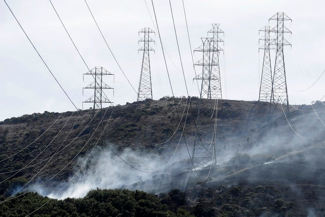 Utility PG&E turned off power to hundreds of thousands of people to lower risk of power lines and electrical equipment from starting fires, but that raises the risk of harm to people who depend on power for medical reasons. (Photo: AP Photo/Jeff Chiu)
