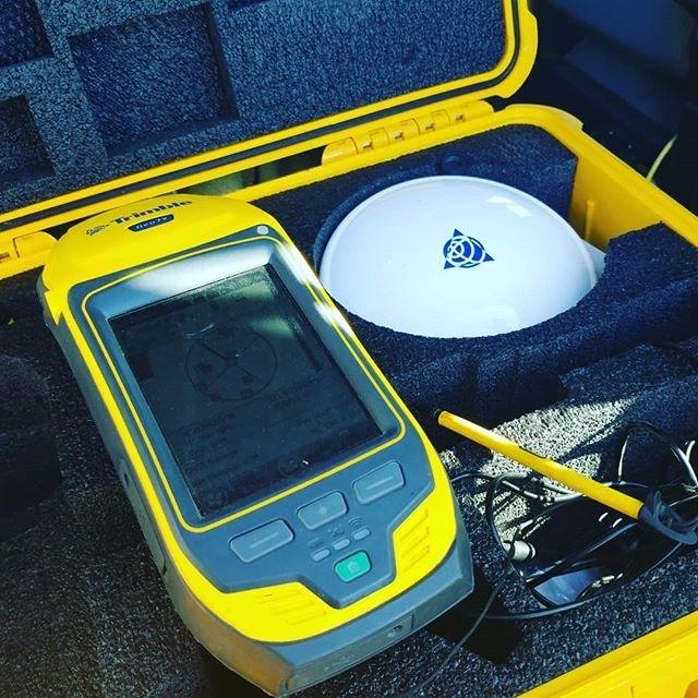 Handheld Trimble GPS