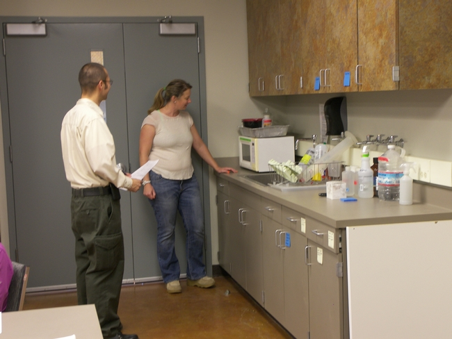 John Iniguez from USDA-APHIS conducts a Permit Containment Inspection with Dr. Fichtner at the new Plant Pathology lab at Lindcove REC.