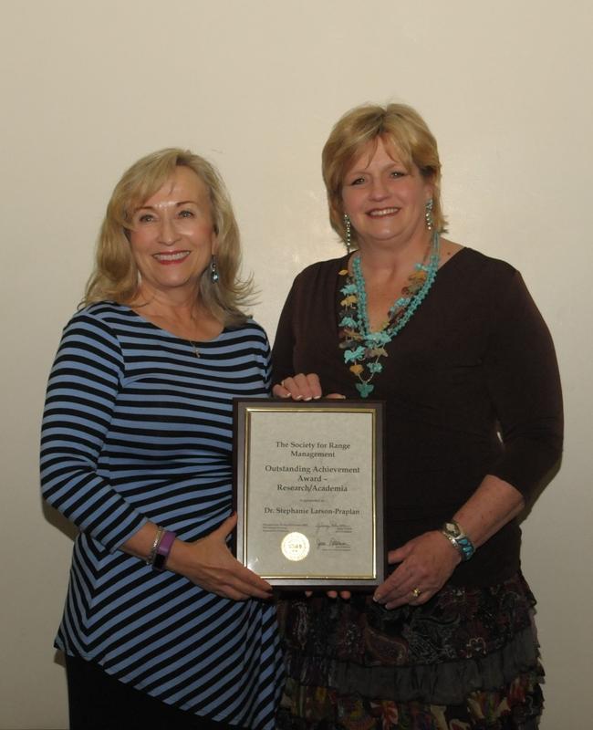 Stephanie Larson (left) with SRM President Jenny Pluhar
