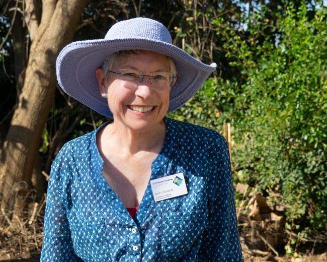 UCCE San Bernardino County Master Gardener Betty Richards volunteering at the Asistencia in Redlands.