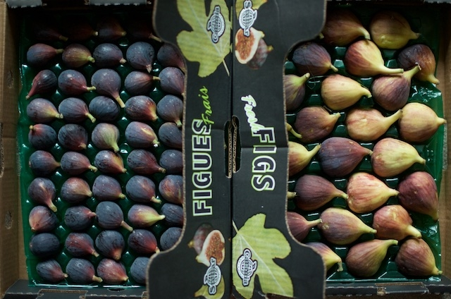 Figs-in-their-packing-boxes