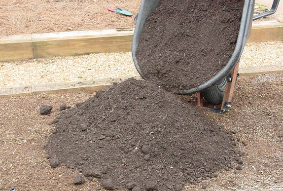 WSSA Compost WeedFree compost on bed