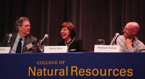 De izquierda a derecha Ken Cook, Karen Ross y Michael Pollan.(Fotografía por:Melanie Ruiz)