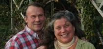 """""""La nueva ley no nos ayuda para nada"""", dice Annie Main, quien junto con su esposo Jeff cultiva alimentos en el Valle de Capay. for Blog de Alimentos Blog"""
