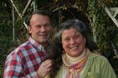 """""""La nueva ley no nos ayuda para nada"""", dice Annie Main, quien junto con su esposo Jeff cultiva alimentos en el Valle de Capay."""