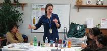 Estela Cabral, educadora de nutrición de Extensión Cooperativa enseña en sus clases las desventajas de bebidas a las que se promocionan mucho. for Blog de Alimentos Blog