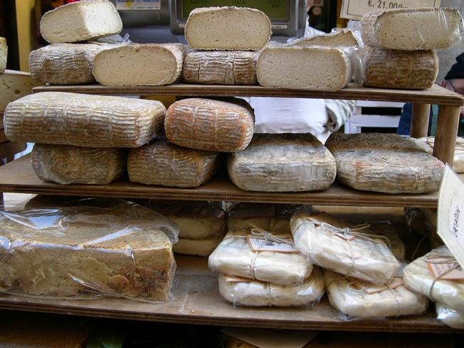 La producción de quesos artesanales agrega valor a las lecherías de California. (Foto: Wikimedia Commons)