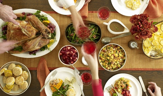 Una comida típica del Día de Acción de Gracias tiene más calorías de las que se necesitan para todo el día. (Foto por: Satya Murthy, Flickr)