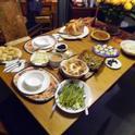 Una cena de Acción de Gracias lo puede dejar con muchas sobras.  Foodsafety.gob le recomienda usar etiquetas para almacenar alimentos.