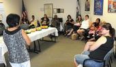 Las participantes de WIC en una de las clases de nutricion. (Fotografía: USDA)