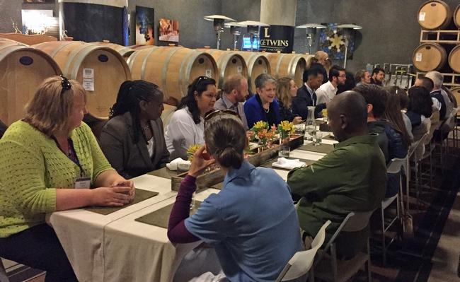 La presidenta Napolitano visitó a los becarios de la GFI durante el almuerzo.