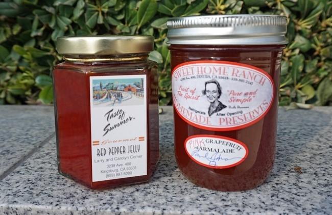El granjero Paul Buxman dijo que la mermelada de Sweet Home Ranch (derecha) es adictiva y 'casi ilegal'.