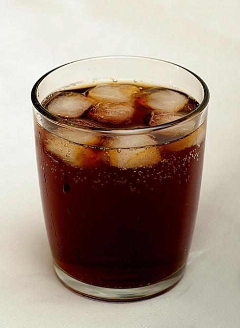 Los impuestos a las gaseosas han probado ser efectivos para reducir el consumo de estas bebidas.