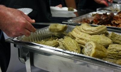 Un platillo con melón amargo relleno con pavo y fideos fue parte del menú del almuerzo de la conferencia.
