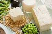 Las semillas de soya y sus alimentos derivados son la mayor fuente de isoflavonas, las cuales actúan como antioxidantes.