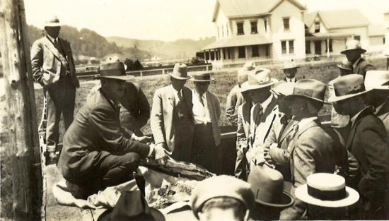 An ag tour with county agricultural agent J.W. Logan, DVM, in 1928.