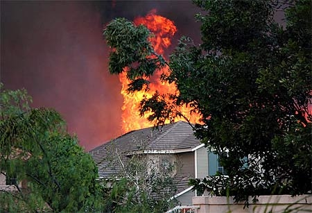 Defending homes and property from wildfire is costly. (Photo: Alex Miroshnichenko)