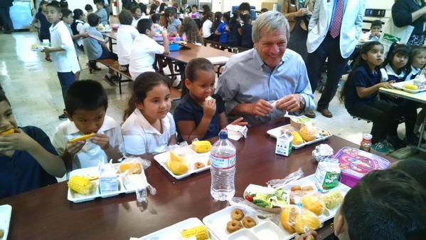 KTVU reporter John Sasaki tweeted this picture of Congressman Mark DeSaulnier enjoying lunch with children at Ygnacio Elementary.
