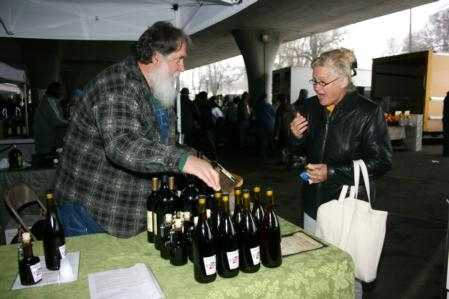 Brian Fitzpatrick sells organic wines and vinegars. (Photo: B. Dawson)