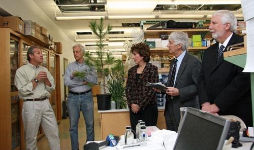 Left to right: David Neale, Jorge Dubcovsky, Linda Katehi, Roger Beachy, Neal Van Alfen.