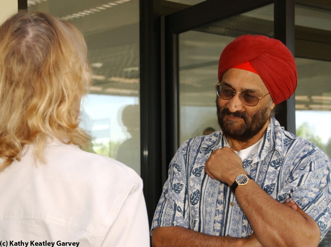 Professor Sarjeet Gill at a malaria conference at UC Davis. (Photo by Kathy Keatley Garvey)