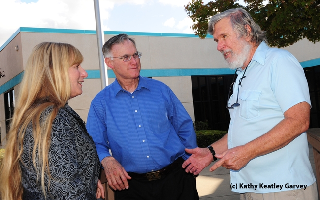 Newly elected president Robert Dowell (right) talks with UC Davis Extension apiculturist Eric Mussen and UC Davis mosquito researcher Debbie Dritz. (Photo by Kathy Keatley Garvey)
